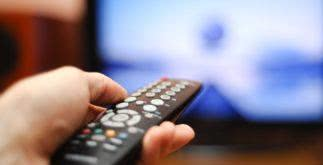 Modelo de contrato para locação de horário em rádio e TV