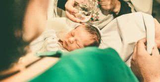 Quais os procedimentos para batizar alguém na Igreja Católica?