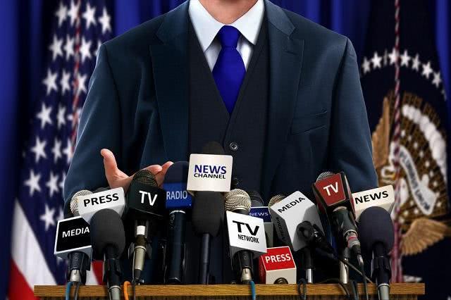 Como elaborar um discurso político interessante?