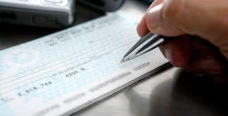 Como faço para trocar um cheque, resgatar o valor ou depositar