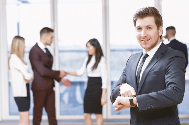 A empresa é obrigada a ter relógio de ponto a partir de quantidade específica de funcionários