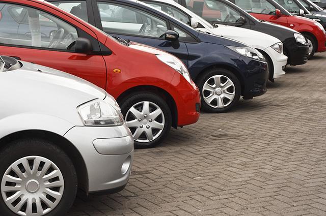 Para regularizar o carro novo é preciso pagar o emplacamento