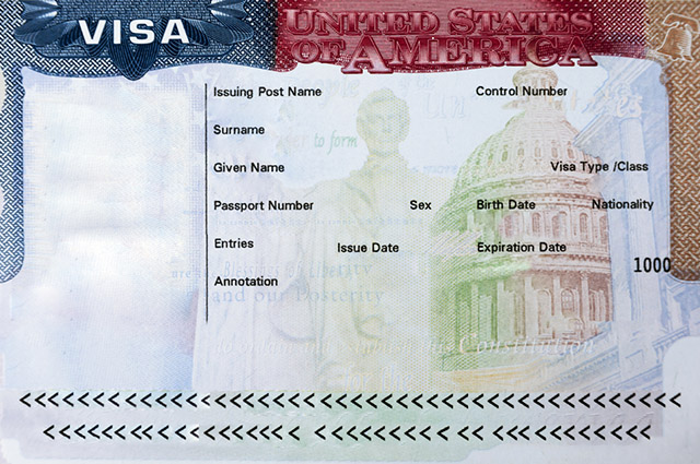 Uma das etapas para conseguir o visto americano é uma entrevista com um agente do consulado