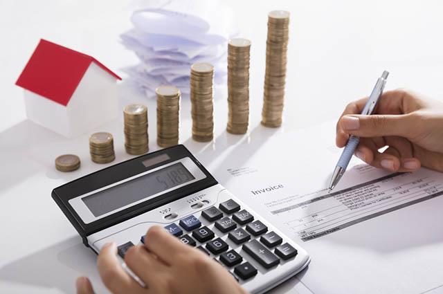O empregado diarista vai receber o salário proporcional em meses de 28, 29 e 31 dias