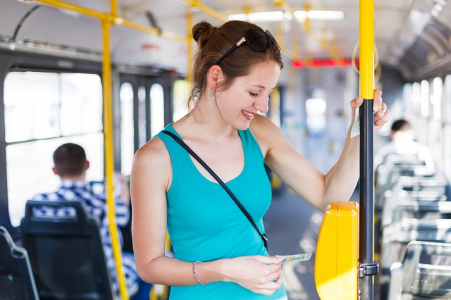 Mulher no ônibus