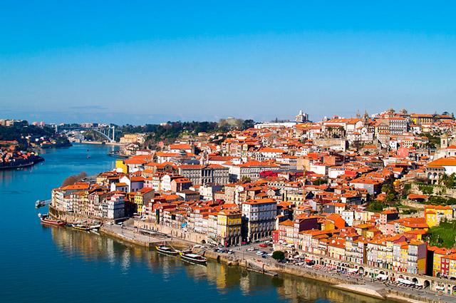 O custo com moradia é alto, portanto fuja dos aluguéis nos grandes centros, como Porto e Lisboa