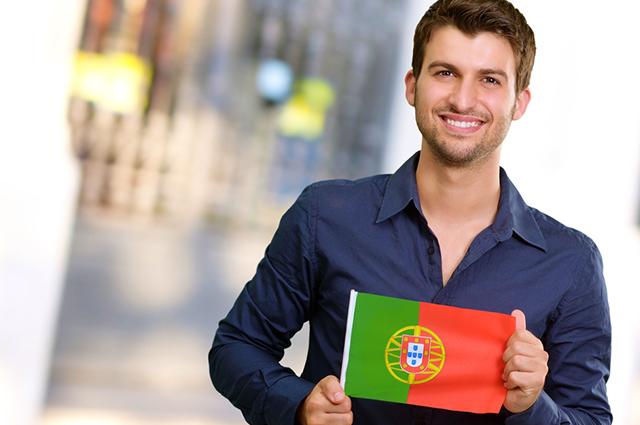 Para conseguir trabalhar em Portugal legalmente é preciso da autorização do consulado do país